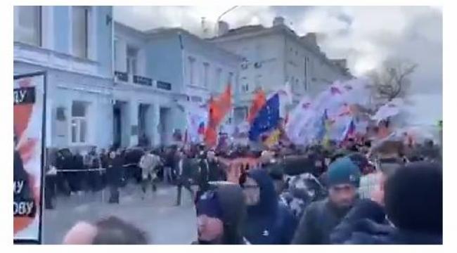Rusya'da Putin karşıtı gösteriler başladı. ?