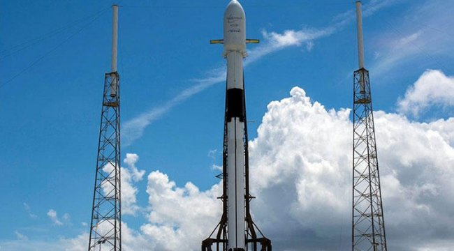 SpaceX 'Yıldız Savaşları Günü'nde 60 Starlink uydusunu uzaya yolladı