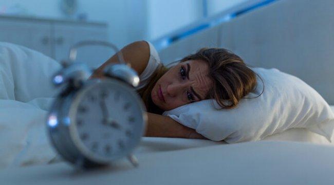 Uykusuzluk çekenler dikkat: Bu öneriler sağlıklı uyku sürecini beraberinde getiriyor!