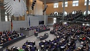 Angela Merkel'in 16 yıllık başbakanlığı son bulacak?