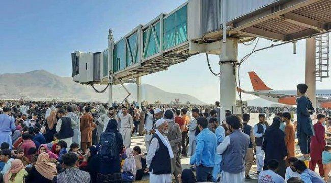 Taliban, Kabil Havalimanı'nda çalışan kadınları işlerine dönmeye çağırdı